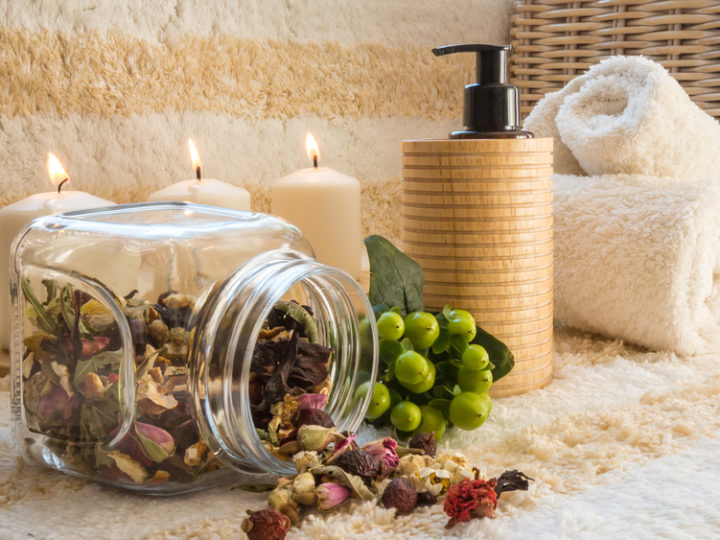 Bring the spa at home with a natural tea aroma therapy
